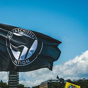 Antifa Fahne Demo